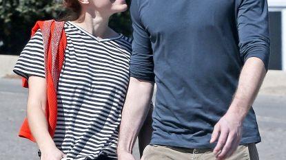 Emma Watson kussend op straat gespot met 'nieuw' lief