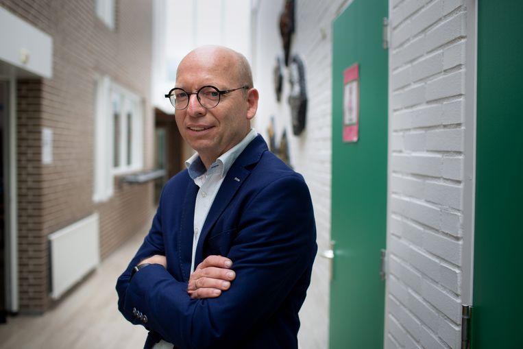 Jan Willem Stegeman, directeur van SBO de Welle. 'Dat we wekenlang geen contact hadden met drie leerlingen uit verschillende gezinnen, dat hebben we nog nooit gehad.' Beeld Herman Engbers