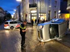 Voorrangsfout lijkt oorzaak botsing in Arnhem waarbij auto op zijkant belandde