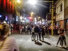 Café zonder bier: politie sluit tapkraan van bar in de Overpoort af en neemt alle sterke drank in beslag
