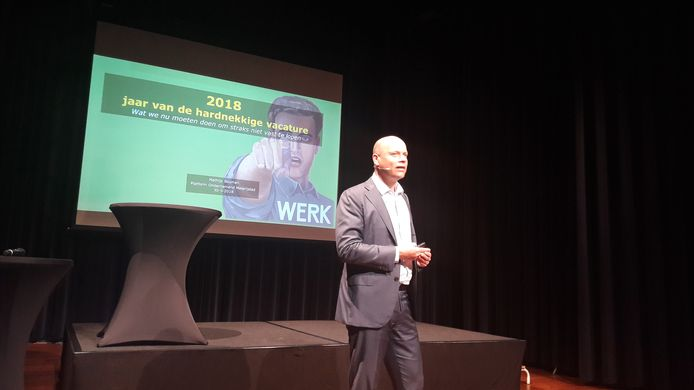Econoom Mathijs Bouman tijdens een eerdere presentatie. © Robèrt van Lith/BD