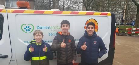 Jonge helden redden kat uit rioolput in Gorinchem: 'We twijfelden geen moment'