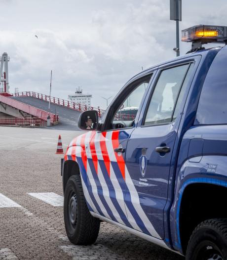 Marechaussee stuit op illegale zeelieden in Hardinxveld