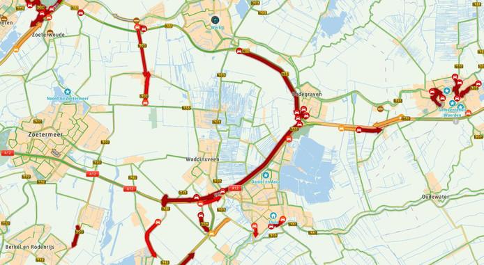 Situatie om 16.35 uur, verkeerschaos in de regio