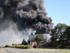 Zeer grote brand bij gasbedrijf in Bergen op Zoom onder controle, drie lichtgewonden