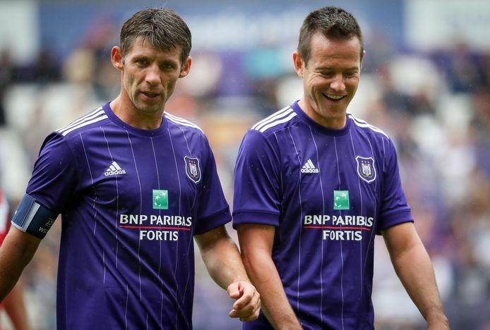Anderlecht's U14 trainer Oleg Iachtchouk and Gilles De Bilde pictured during a derby Legends game between RSCA and RWDM at the fan day of soccer team RSC Anderlecht, Sunday 30 July 2017 in Anderlecht, Brussels. BELGA PHOTO VIRGINIE LEFOUR