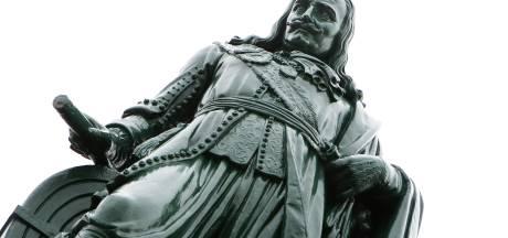'Standbeeld zeeheld op Urk? Haal het neer'