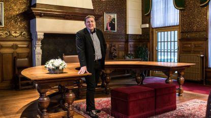 Burgemeester van Schoten Maarten De Veuster breekt arm op skireis in Tirol