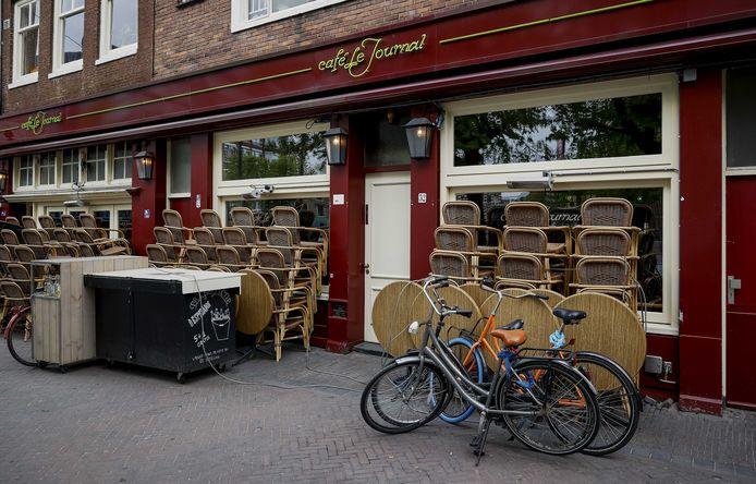 Vanwege de coronacrisis moeten cafés en restaurants de deuren gesloten houden.
