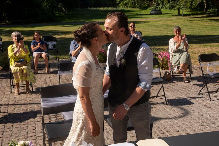Björn en Karen is het eerste koppel dat kan trouwen in openlucht in Destelbergen.