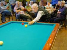 Dingeman Picocrie (76) gehuldigd in Waspik: 'Pas bij de laatste stoot wordt een partij beslist'