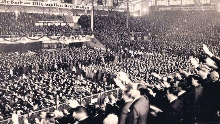 null Beeld Een bijeenkomst van Duitse nazi¿s in Buenos Aires in 1938, ter ere van de Dag van de Arbeid.