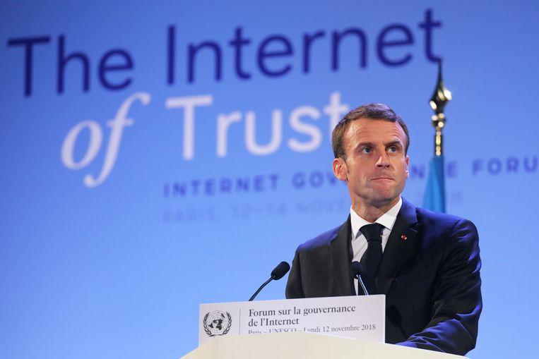 De Franse president Emmanuel Macron op het 'Internet Governance Forum' in Parijs vandaag.