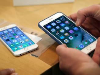 Misnoegde gebruikers klagen Apple aan voor opzettelijk vertragen oudere iPhones