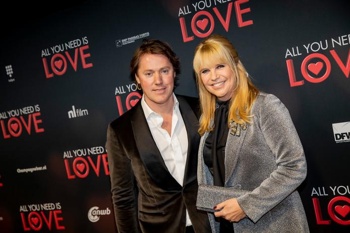 Linda de Mol met partner Jeroen Rietbergen.