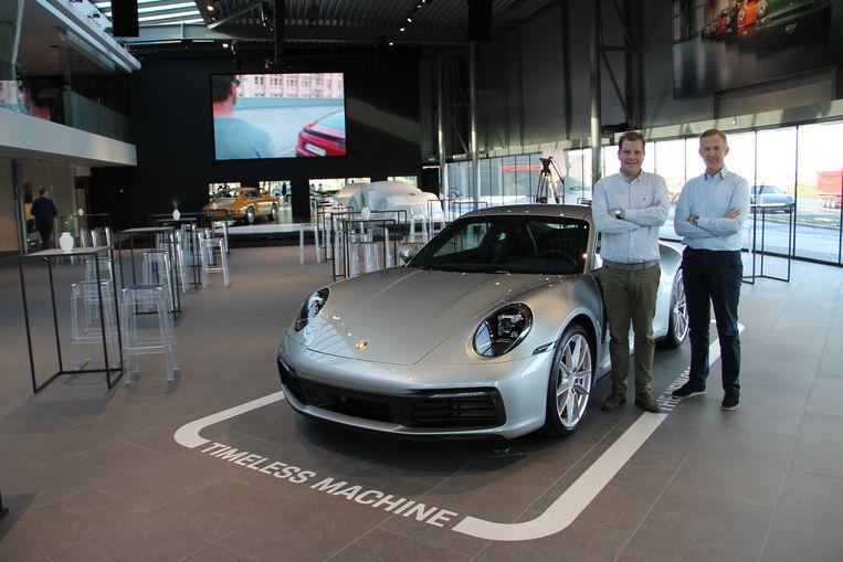 Ruben Maes en Koen Depaepe in de nieuwe Porsche-showroom.