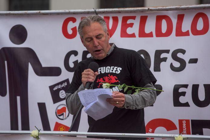 Edwin Wagensveld tijdens een demonstratie van anti-moslimbeweging Pegida in Tilburg.