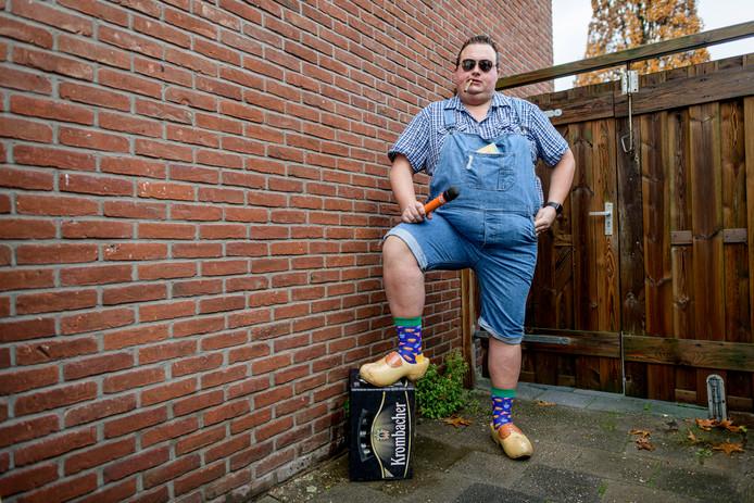 Dj Ivar slaat als Boer Bennie een andere artiestenweg in. Hij profileert zichzelf als de 'King Kong van het platteland.'