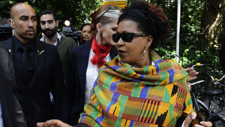 VN-functionaris Verene Shepherd, die zich vorig jaar kritisch uitliet over Zwarte Piet, arriveert bij de nationale herdenking van de afschaffing van de slavernij in het Oosterpark. Beeld anp