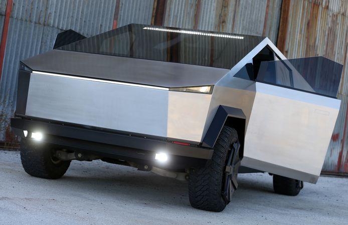 De Cybertruck-replica is het werk van het Bosnische bedrijf Stark Solutions in Mostar.