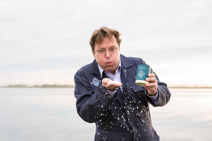 Christian Clerx produceert zout uit het water van de Oosterschelde.