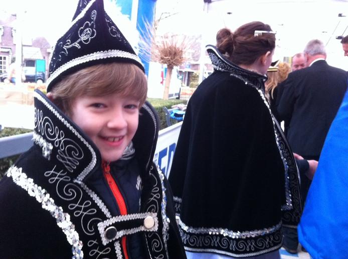 De jeugdprinsen uit Bergeijk zijn zondagochtend de allereerste gasten voor de Prinsenfoto