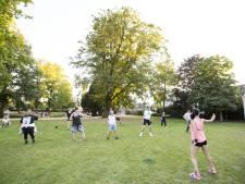 Gratis zumba-uurtje onder de bomen in Hengelo