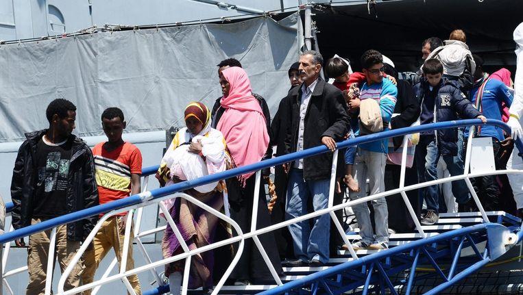 Geredde migranten die vandaag aankwamen in Palermo, Sicilië.