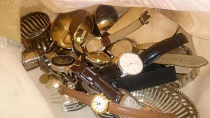 Een deel van de gevonden spullen.