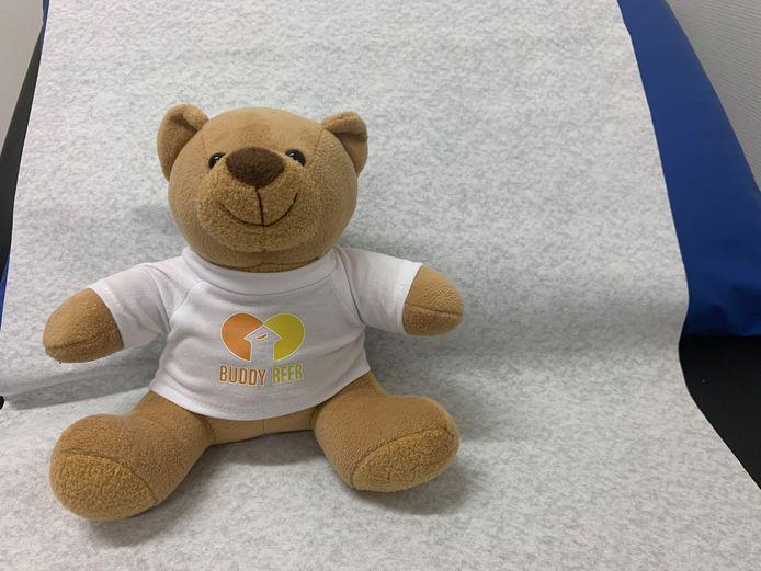 De buddybeer moet kinderen helpen met het ziekteproces van hun ouders.