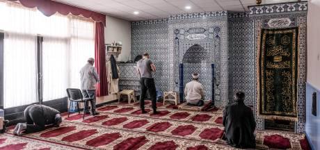 Gesprek in moskee smoort onrust door Turkse jeugd in Aalten
