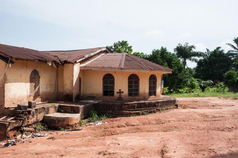 Het gebouw van de Christ Holy Church International in Nimbo, in het zuid-oosten van Nigeria, dat in April 2016 werd aangevallen door islamitische herders van de Fulani-minderheid Beeld STEFAN HEUNIS / AFP