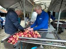 65.000 kilo fruit uit eigen boomgaard geperst door een mobiele sappers