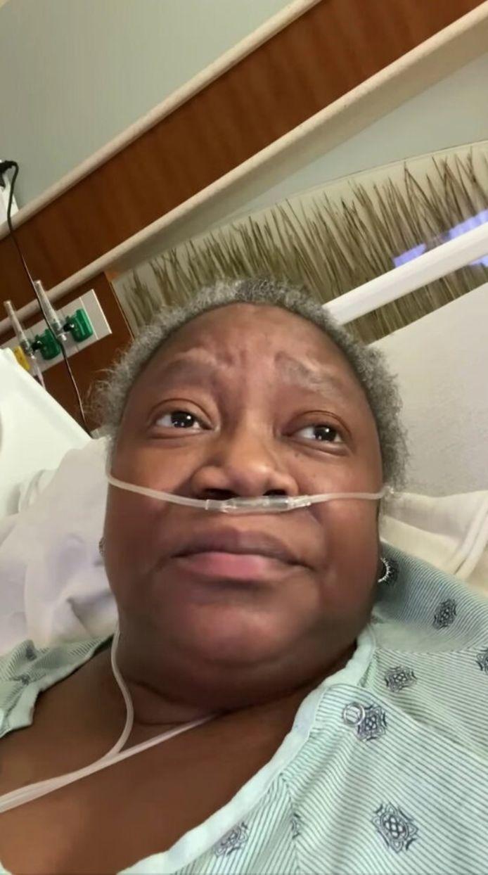 Susan Moore vanuit haar ziekenhuisbed