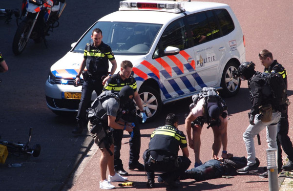 **Justitie sluit terroristisch motief steekpartij Den Haag nog niet uit**