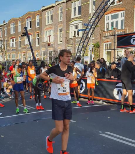 Duizenden hardlopers rennen door Nijmegen tijdens Zevenheuvelenloop