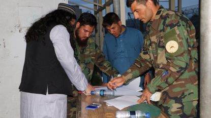 NAVO roept Afghanen op kans op vrede te grijpen