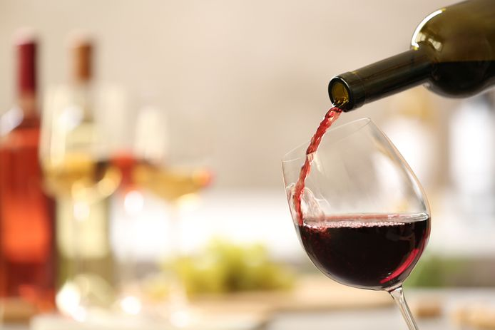 Er worden in Nederland dagelijks 26,8 miljoen glazen bier, wijn of gedistilleerde drank gedronken.