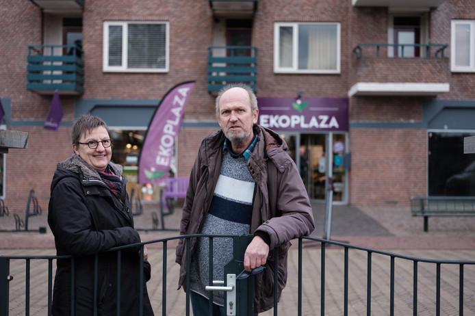 Janne Gerritse en Johan Winkelhorst maken bezwaar tegen vestiging sportschool Anytime Fitness in Winterswijk.