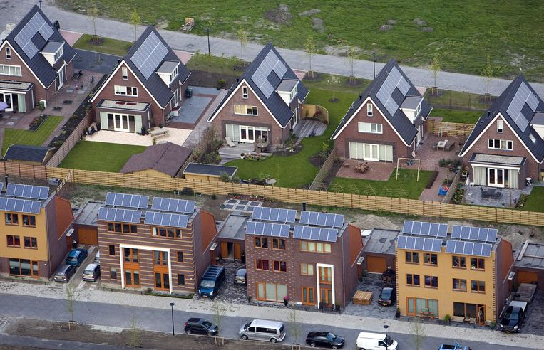 Huizen in Heerhugowaard met zonnepanelen. Beeld anp