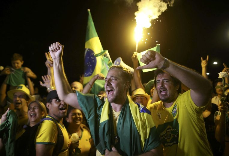 Voorstanders van afzetting van Rousseff vieren feest ... Beeld reuters