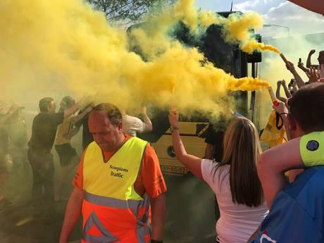 Duizenden NAC-fans zwaaien selectie uit voor allesbeslissend finaleduel in Nijmegen