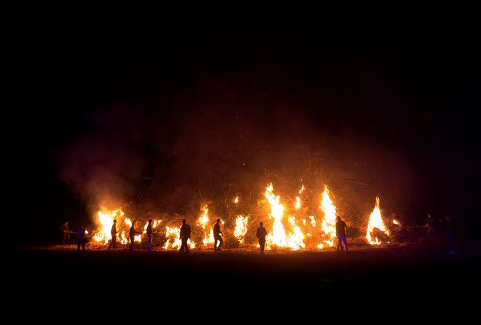 Het paasvuur in Meddo, vorig jaar.