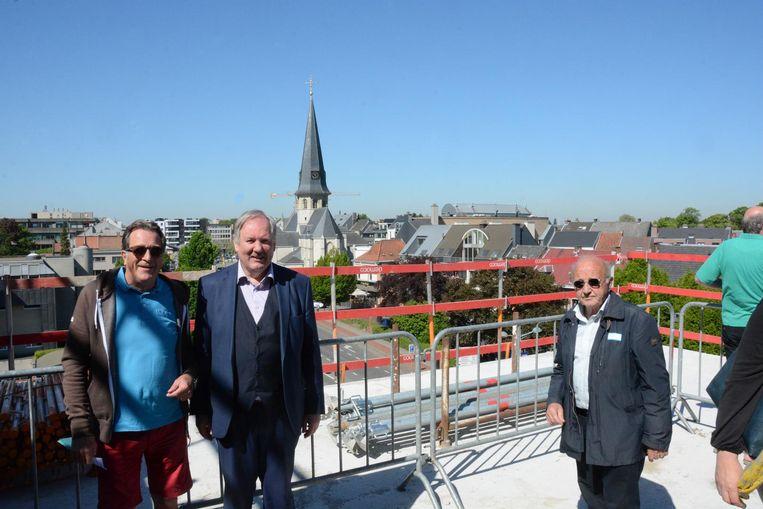 Burgemeester Marc Van de Vijver leidde bezoekers gisteren zelf rond.