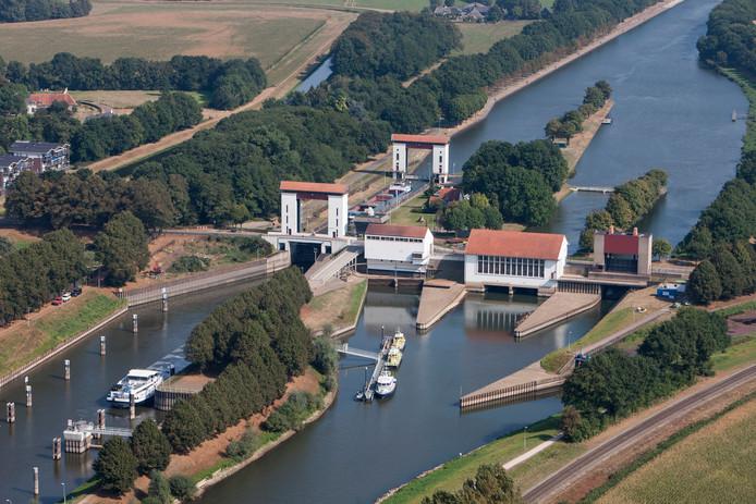 Alle seinen staan op groen voor de bouw van een waterkrachtturbine bij de stuw in Eefde, die het afleidingskanaal van de Berkel met het Twentekanaal verbindt.