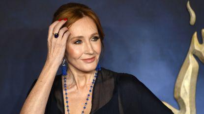 """Fans drijven de spot met J.K. Rowling: """"Stóp met nutteloze feiten over Harry Potter te delen, we zijn het zat"""""""