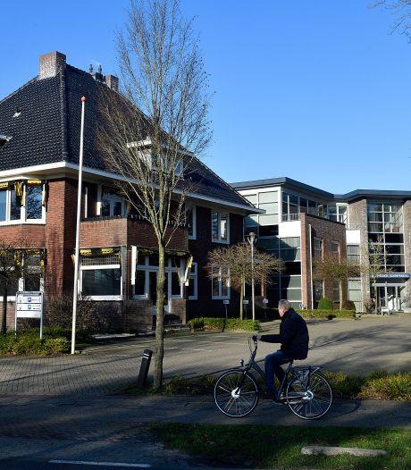 Provincie start 'open overleg' over toekomst Scherpenzeel, maar geeft fusie met Barneveld nog altijd de meeste kans