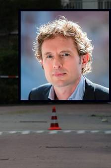 LIVE   Politie jaagt met 'man en macht' op moordenaar van advocaat Wiersum