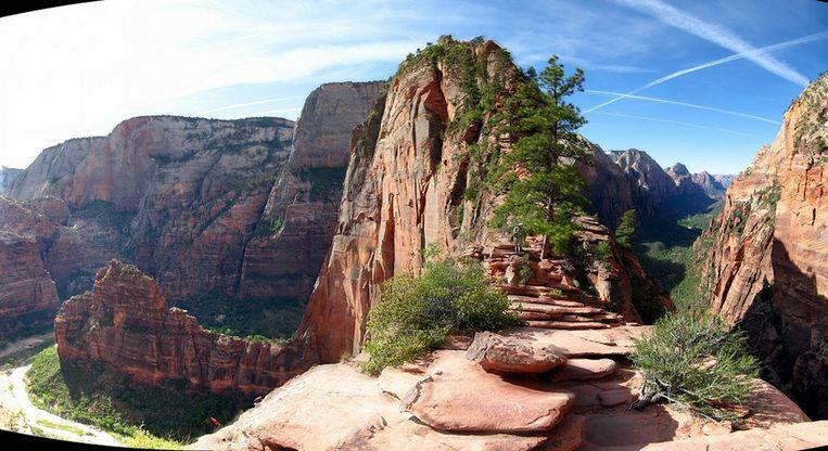 Tien Duizelingwekkende Wandelpaden Langs Bergwanden De Morgen