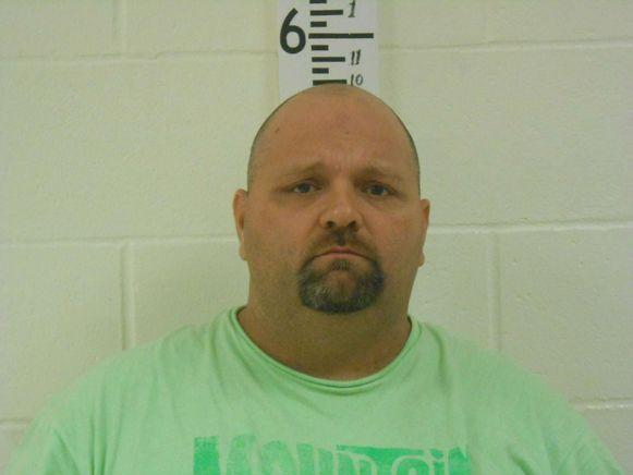 De politie zoekt uit of Michael Middleton (43) nog meer echtgenotes heeft.